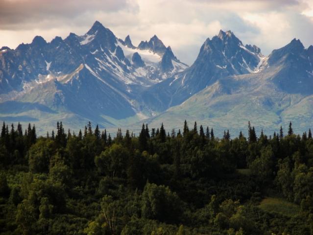 rocky-mountains-384683_1920